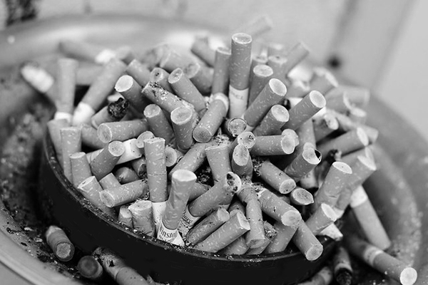 cigarette-tobacco-addiction-ashtray